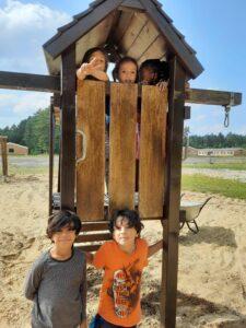 Spielplatzbau Flüchtlingsanlage Lessien
